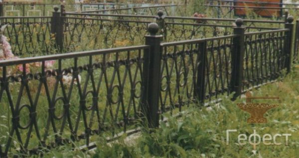 кованая ритуальная ограда